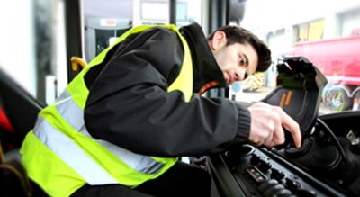 Blog - How to Safely Fit a Tablet in a Vehicle for Mobile Workforces - Captec