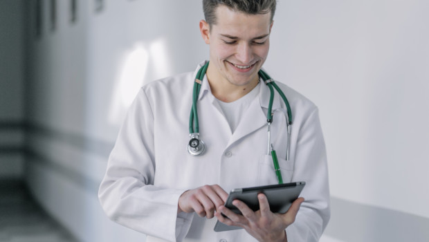 healthcare tablets doctor