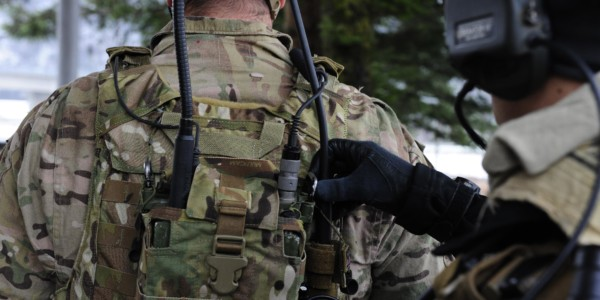 Soldiers Listening 600x300 - 3 reasons SME's are the go-to source for defence solutions